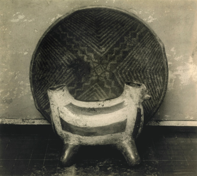 Edward Weston. 'Tarascan Pottery, Michoacán' 1926