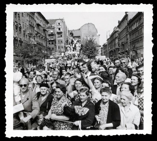 Joyce Evans(Australian, 1929-2019) 'Untitled [Budapest crowd]' 1949
