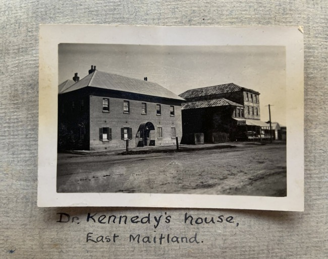"""""""Dr Kennedy's house, East Maitland,"""" August, 1923 in John """"Jack"""" Riverstone Faviell 1922-1933 photo album"""