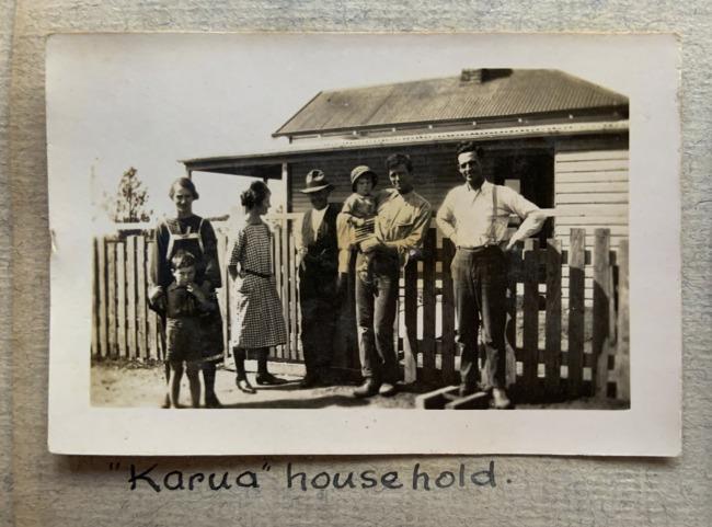 """""""""""Karua"""" household,"""" September, 1923 in John """"Jack"""" Riverstone Faviell 1922-1933 photo album"""
