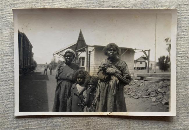 """Untitled,"" 1923 in John ""Jack"" Riverstone Faviell 1922-1933 photo album"