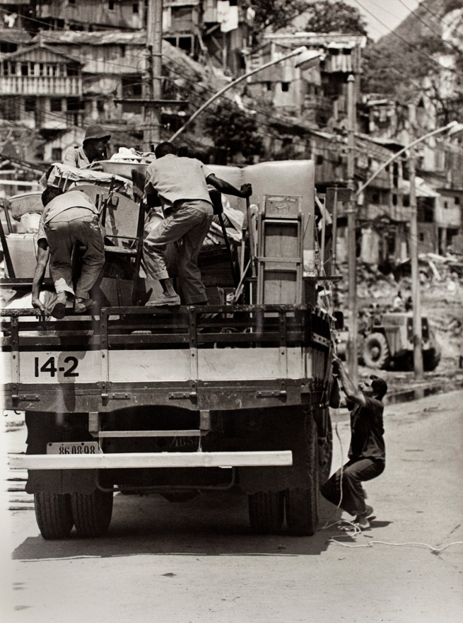 Unknown maker. 'Untitled (Removal of Residents' Possessions, Catacumba Hill, Avenida Epitácio Pessoa)' October 15, 1970