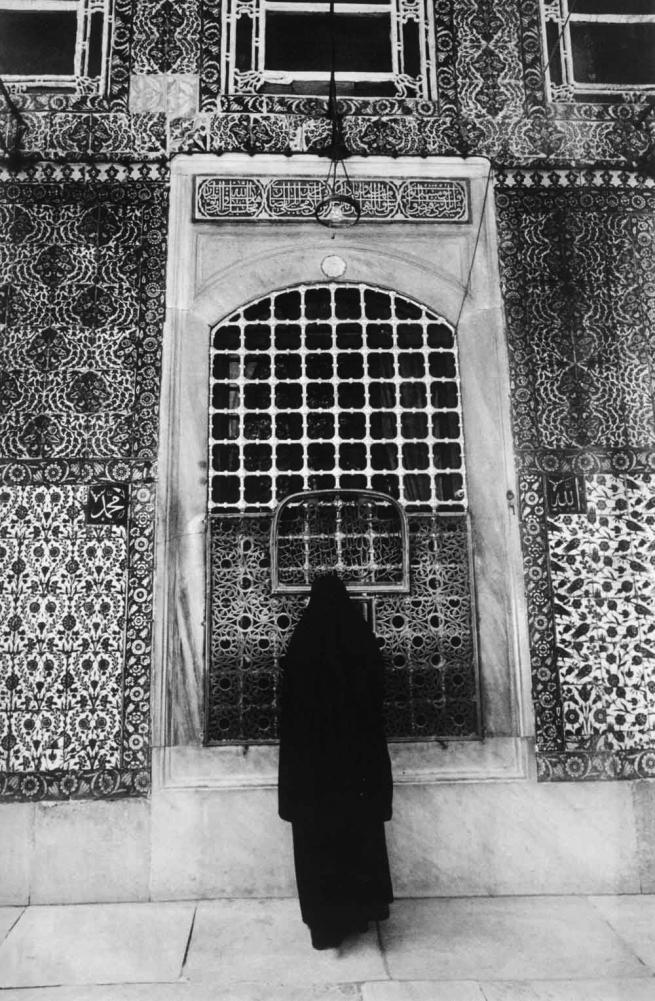 Ara Güler (Turkish, 1928-2018) 'Eyüp Sultan Camii [Eyüp Sultan Mosque]' 1965