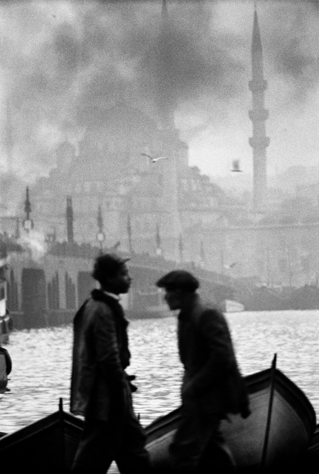 Ara Güler (Turkish, 1928-2018) 'Persembe Pazan, Karaköy [Thursday Market, Karaköy]' 1957