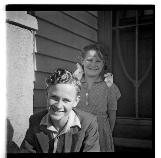 Unknown photographer (Australian) 'Untitled (boy and girl smiling)' 1946-47