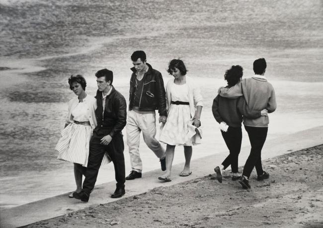 Jeff Carter. 'Saturday arvo, Cronulla Beach' 1960