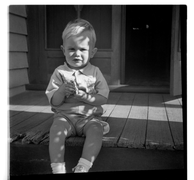 Unknown photographer (Australian) 'Untitled (child on porch)' 1946-47