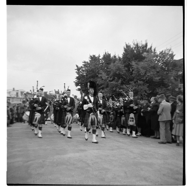 Unknown photographer (Australian) 'Untitled (Scottish band, Maldon Show, Maldon, Victoria)' 1946-47