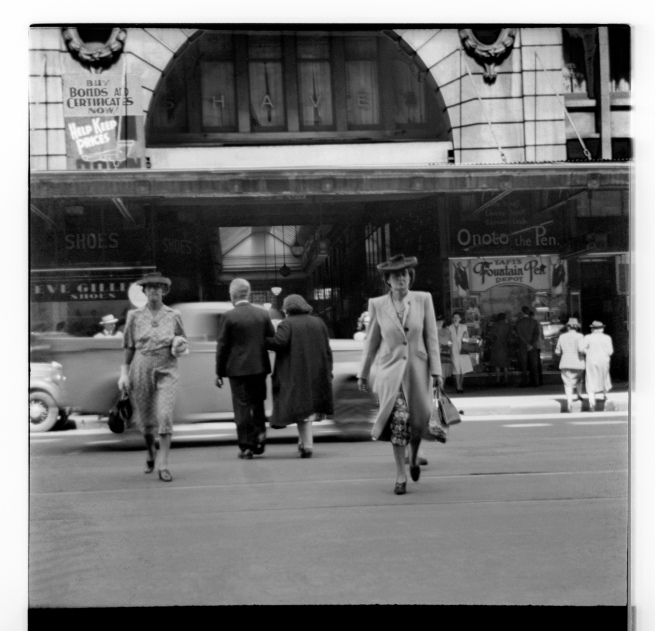 Unknown photographer (Australian) 'Untitled (Centreway Building on Collins Street, 259-263 Collins Street)' 1946-47