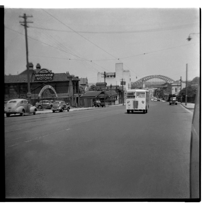 Unknown photographer (Australian) 'Untitled (Bridgeview Motors, 267 Pacific Highway, North Sydney with Sydney Harbour Bridge in the background)' 1946-47