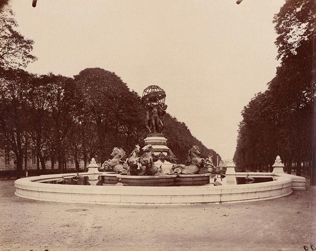 Eugène Atget (French, 1857-1927) 'Fontaine des Quatre-Parties-du-Monde, Jardin Marco Polo, Paris' 1907