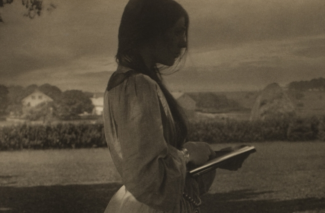 Gertrude Käsebier (American, 1852-1934) 'The Sketch (Beatrice Baxter)' 1903 (detail)