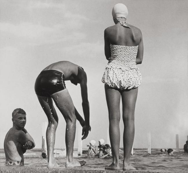 Max Dupain. 'Newport Baths I' 1952