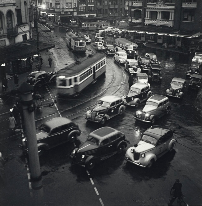 Max Dupain. 'Rush Hour, Kings Cross' 1938