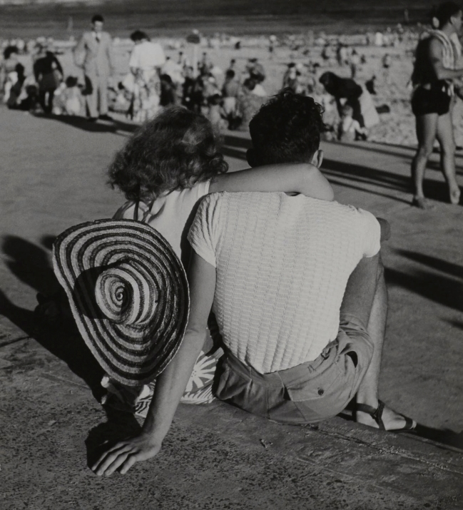 Max Dupain. 'Beach Watchers, Bondi' 1940s
