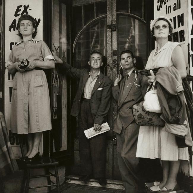 Max Dupain. 'Enter The Queen' 1954