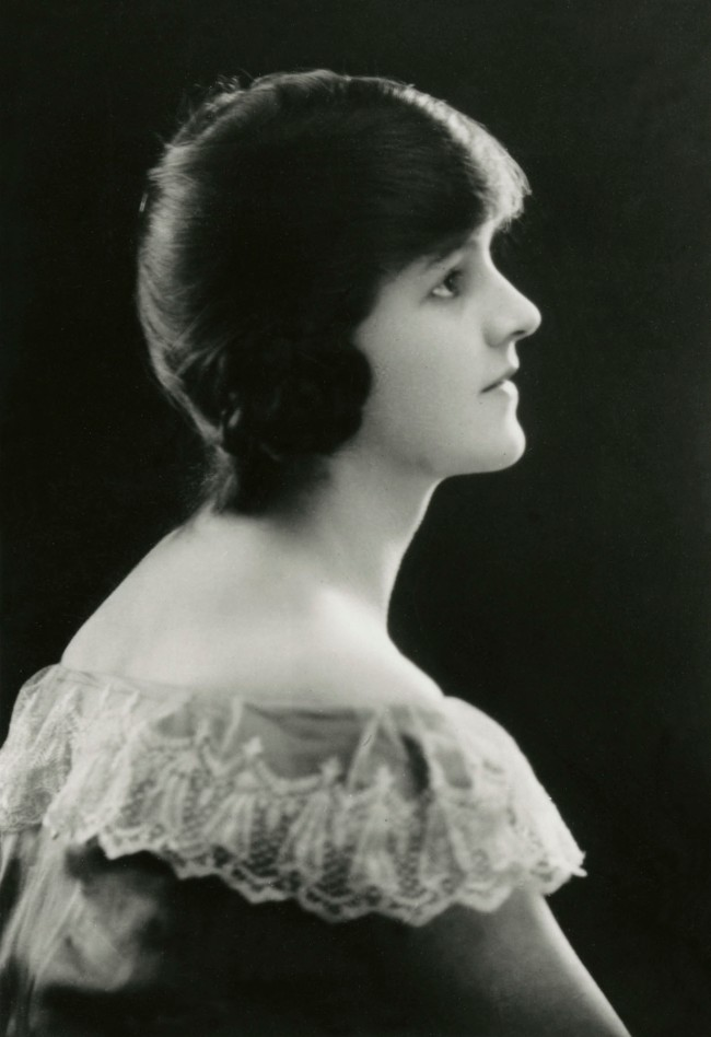 'Barbara Hepworth growing up' c. 1919