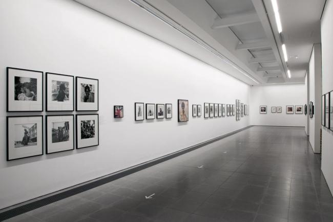 'James Barnor: Accra/London – A Retrospective' (Installation view, 19 May - 24 October 2021, Serpentine)