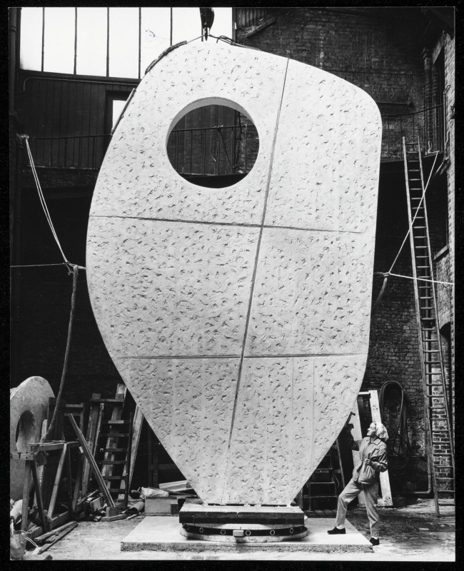 Barbara Hepworth with the plaster prototype for the United Nations 'Single Form' at the Morris Singer foundry, London May 1963
