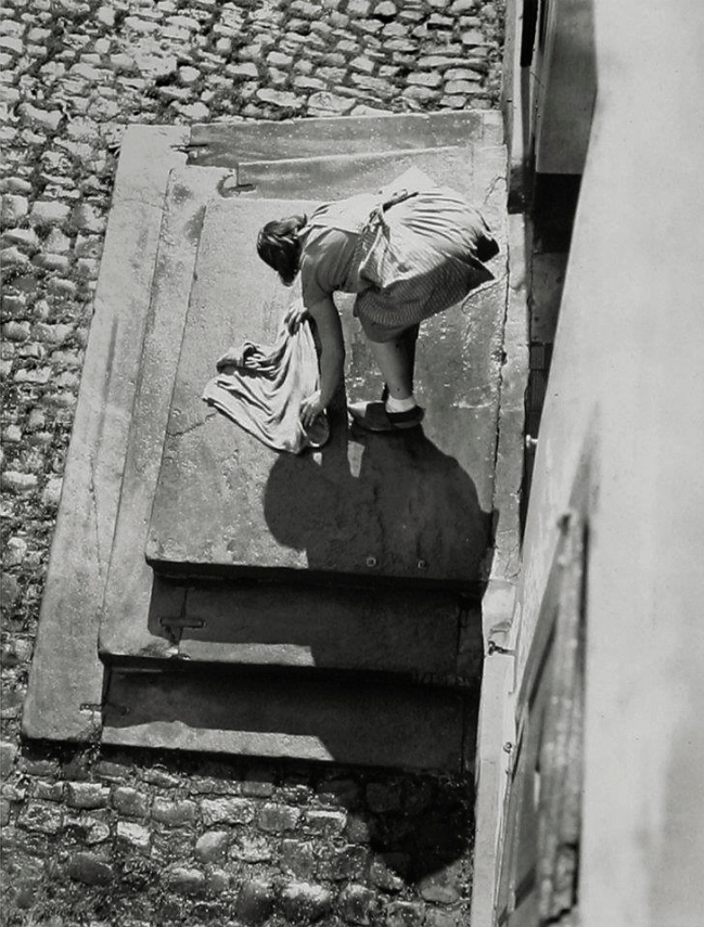 Friedrich Seidenstücker (1882-1966) 'The front stairs are scrubbed' 1928