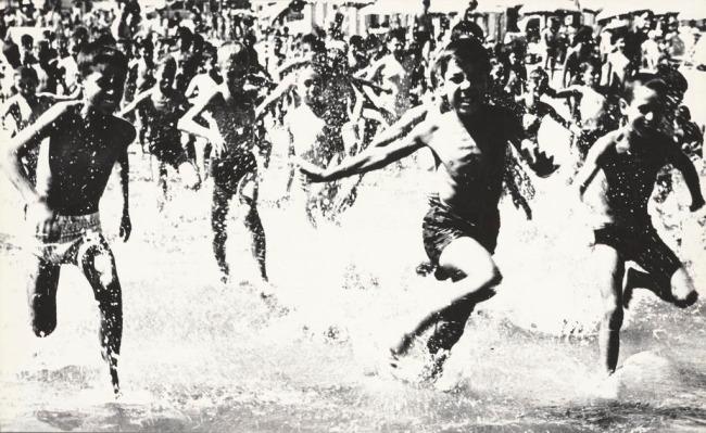Mario Giacomelli (Italian, 1925-2000) 'Children at the sea' (Bambini al mare) 1959