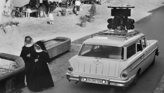 Karl Wolf. 'The 9-camera system on Heiniger's Chevrolet: the filmmaker worked hard for the Expo film' around 1963